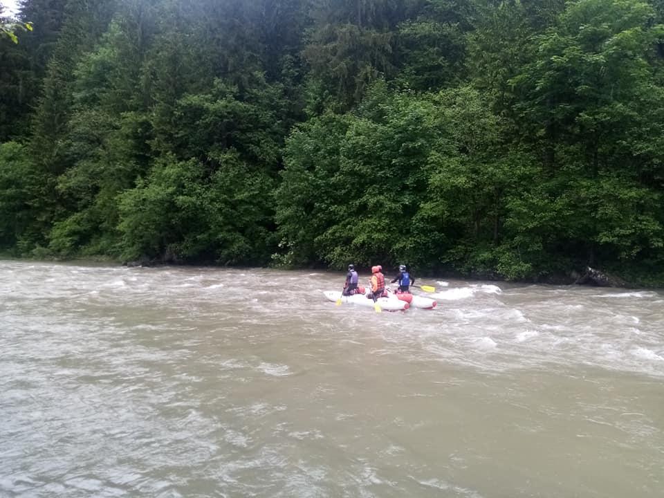 Команда ГРЦ здійснила сплав гірською рікою та вдосконалила навички порятунку на воді (фото)