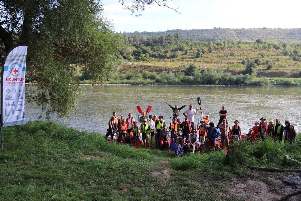 """Проєкт """"Еко-щит Дністра"""": Гірський рятувальний центр разом із волонтерами провели екологічну акцію (фото)"""