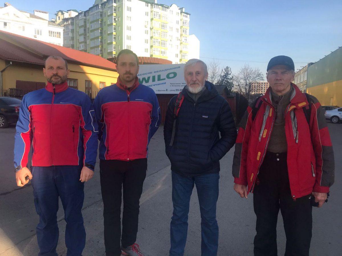 Рятувальники готуються до сезону. Що треба знати про зимові походи в Карпати (ФОТО)