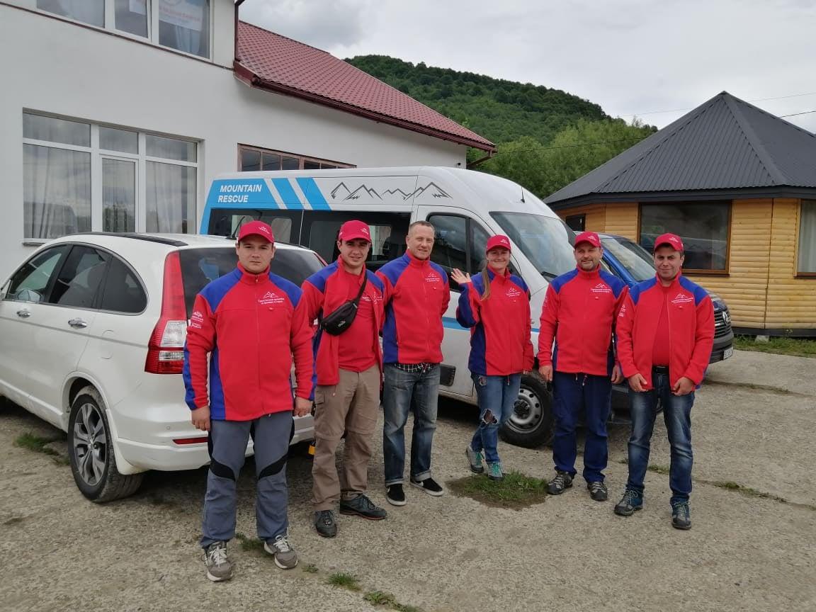 Волонтери ГРЦ беруть участь у спільних навчаннях гірських рятувальників на місцевості зі складним рельєфом (фото)